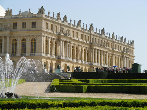 http://iledefrance.ca/images/chateauversailles.jpg