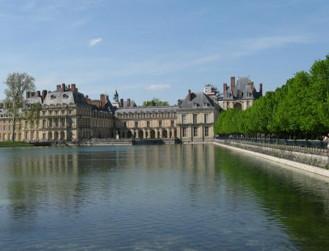 Fontainebleau Lake and Castle